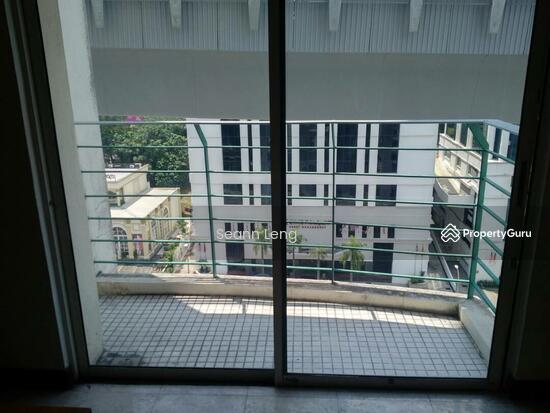 10 Semantan Suites  110447075
