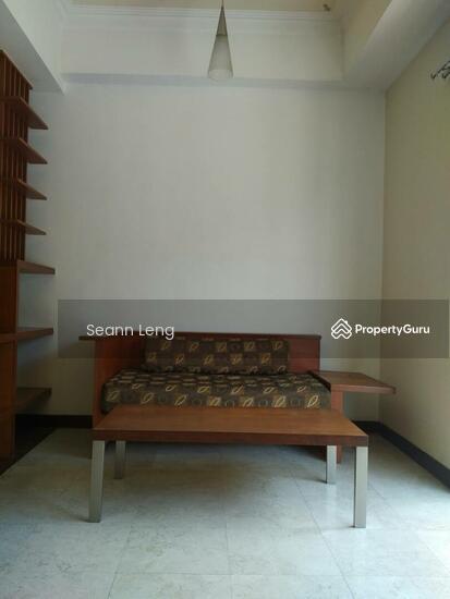 10 Semantan Suites  110447168