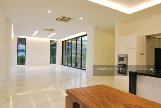 MODERN BUNGALOW @ THE MINES  115578377