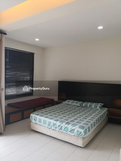 Ritze Perdana 1  137037202