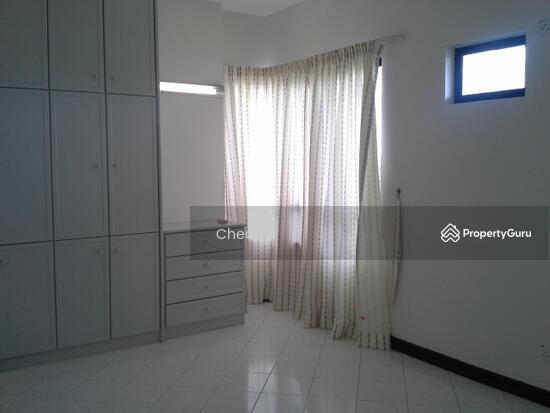 Sri York Condominium  119702312