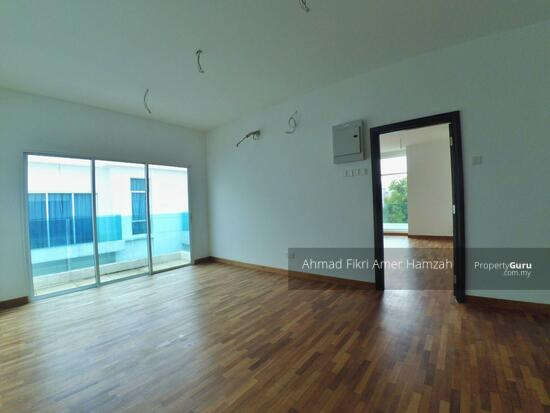 [ CASH BACK ] Perdana Lake View East Cyberjaya [ FREEHOLD ]  120752267