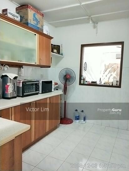 usj 2 house 1.5sty renovated 4 rooms  129554896