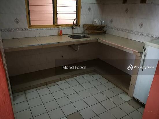 Intana Ria 2 Apartment, 847sft 3+1 Rooms Bandar Baru Bangi, Kajang  130966974