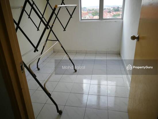 Intana Ria 2 Apartment, 847sft 3+1 Rooms Bandar Baru Bangi, Kajang  131751623