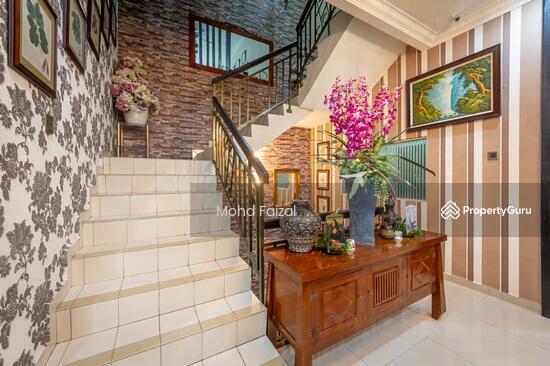 2 ½ Storey Semi-Detached house, 3800sft Puncak Saujana, Kajang  133957331
