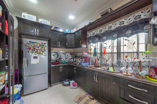 2 ½ Storey Semi-Detached house, 3800sft Puncak Saujana, Kajang  133957339