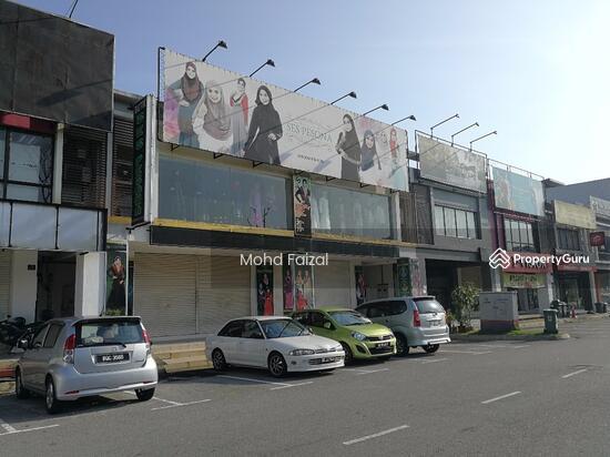 7.5k Rental 2.5 Storey Shoplot Seri Bangi Seksyen 8, Bandar Baru Bangi  134872556