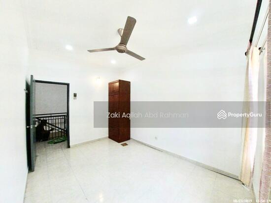 Bandar Nusaputra  139791831