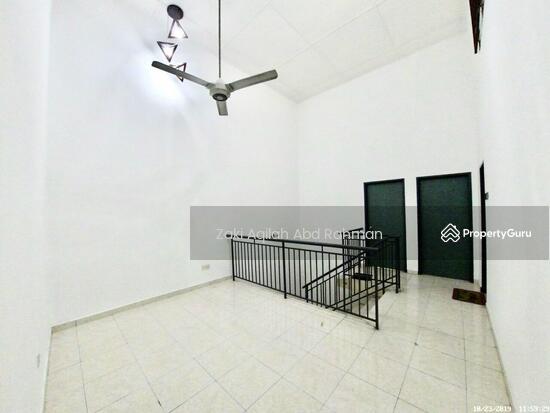 Bandar Nusaputra  139791837
