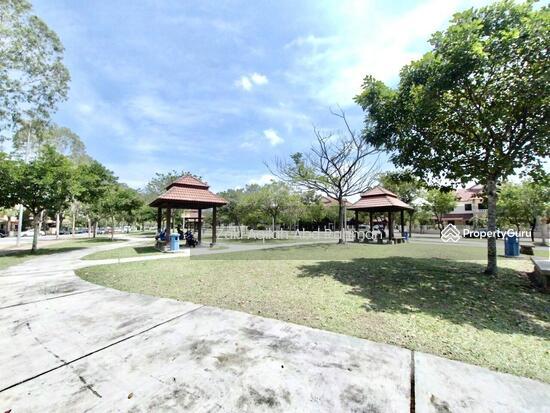 Bandar Nusaputra  139791846