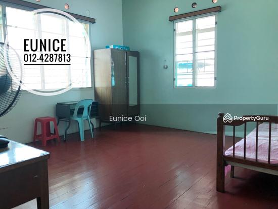 A Corner Linked House  140437192