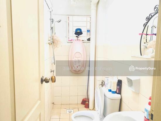 Sentul Utama Condominium  141796440