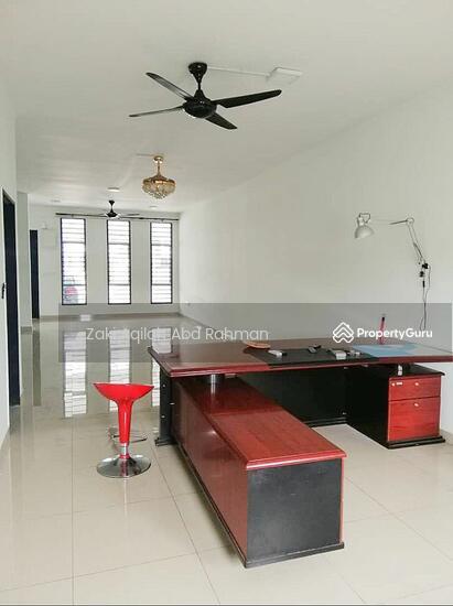 Bangi Avenue  141830643