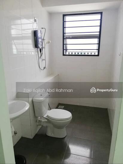 Bangi Avenue  141830646