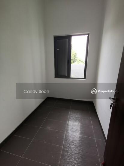 Bukit Serdang  150568311