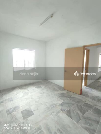 Astana Alam Apartment 1  161257000